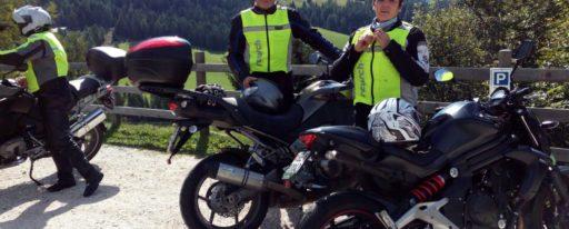 Therese mit Kawasaki ER-6n Ort: Dolomiten