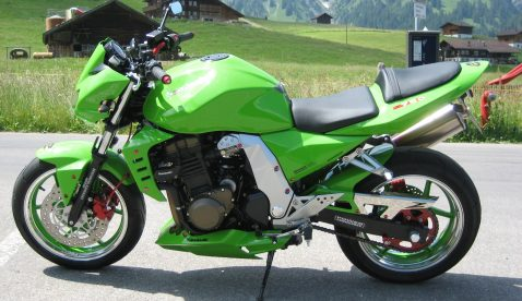 Pesche mit Kawasaki Z750 Ort: Berner Oberland