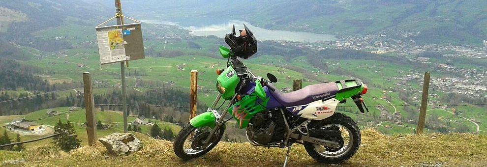 Mike mit Kawasaki ER-6n und KLR 650 Ort: Ächerli Obwalden_