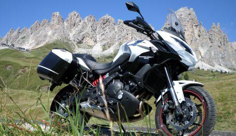 Beat mit Kawasaki Versys Ort: Dolomiten