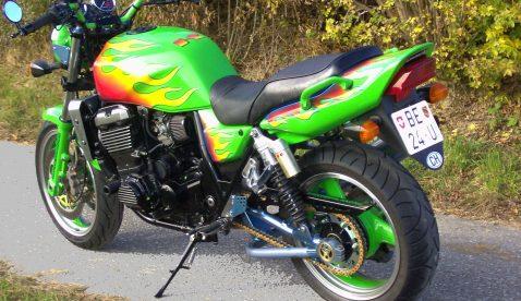 Ueli mit Kawasaki ZRX1100 und Versys1000 Ort: Oberburg_Grosshöchstetten