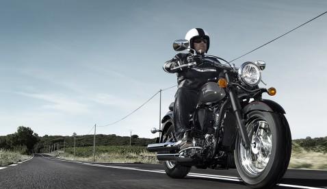 Die VN900 Classic Special Edition bringt Glanz und Glamour auf die Strasse.